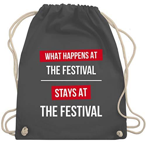 Festival Zubehör Sportbeutel - What happens on the festival stays at the festival - Unisize - Dunkelgrau - nikolausgeschenke - WM110 - Turnbeutel und Stoffbeutel aus Baumwolle